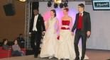 Models als Bräute und Bräutigame