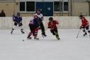 Voll im Geschehen des Eishockeyspieles - KIC Blau vs. KIC Rot