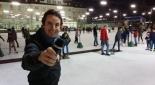 Philipp Pertl als Moderator beim Eisstockschießen
