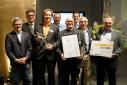 """Die Gewinner des Mercur '15 in der Kategorie """"Lide Sciences"""" von der """"caregency GmbH"""" mit Ing. Martin Heimhilcher und Dr. Rainer Trefelik"""