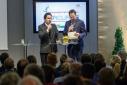 "Dr. Rainer Trefelik verkündiget den Gewinner des Mercur '15 in der Kategorie ""IKT/Technik"""
