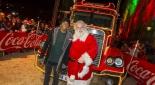 Fußballstar David Alaba mit dem Coca-Cola Weihnachtsmann, Copyright © Coca Cola Company