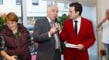 Philipp Pertl beim Interviewen vom Neuglengbacher Bürgermeister Franz Wohlmuth