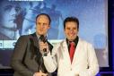 Dipl. Ing. Martin Bardeleben (Google Österreich) mit Eventmoderator Philipp Pertl beim Verkünden des ersten Platzes in der Kategorie Studierende