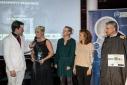Philipp Pertl im Gespräch mit den Gewinnerinnen der Kategorie Sonderpreis, Vorstandsmitglied der Erste Bank Dr. Peter Bosek