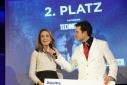 MMag. Barbara Edelmann (Deloitte) beim Verkünden des zweiten Platzes der Kategorie Technologie