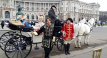Ausschnitt des Theaterstücks am Heldenplatz ,v.l.n.r. König Ludwig XVI (Max Kolodej), Marie Antoinette (Henrietta Rauth), Schicksal (Sebastian von Malfer), Karl Cantonati, Herold (Philipp Pertl)