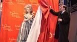 Sandor Habsburg-Lothringen, Prinz der Toskana enthüllt die Wachsfigur von Marie Antoinette