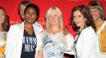 Mamma Mia Stars posieren mit ABBA Stars
