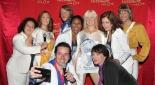 Philipp Pertl mit ABBA, Arabella Kruschinski und den Hauptdarstellern von Mamma Mia