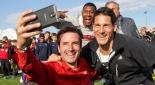 Philipp Pertl schießt ein Selfie
