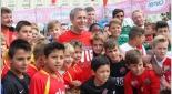 Marcel Koller mit Kindern