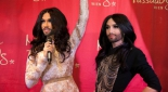 Conchita in echt und in wachs