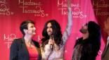 Arabella Kruschinski mit Conchita in echt und in wachs