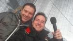 Philipp Pertl mit dem DJ des Eröffnungsfests der längsten Talabfahrt Österreichs