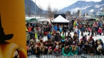 Das Publikum bei dem Eröffnungsfests der längsten Talabfahrt Österreichs