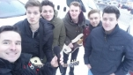 Philipp Pertl mit den Mitgliedern der Band TAGTRAEUMER