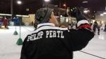 Philipp Pertl beim Moderieren der Publikumschallenge Penalty schießen